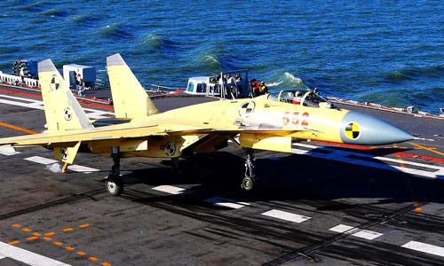 J-15 có thể là tiêm kích hạm hàng đầu TG, nhưng lại bị chỉ trích be bét, tội lỗi là ở Liêu Ninh - Ảnh 1.