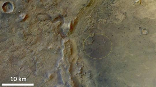 Hố khổng lồ nơi NASA săn sự sống ngoài trái đất - Ảnh 6.