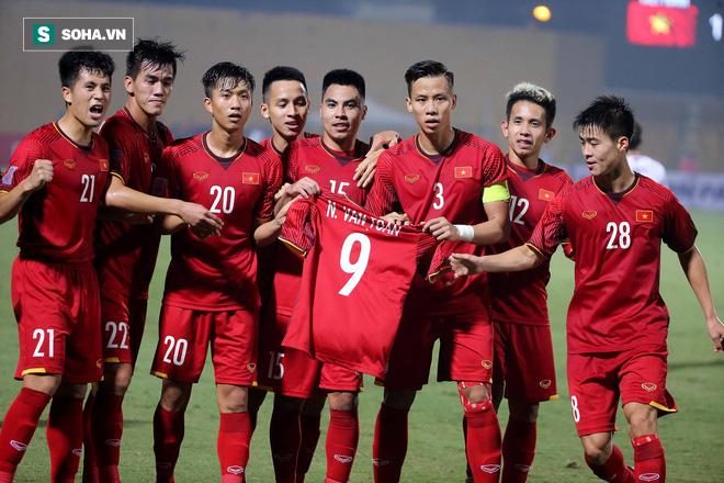 Văn Toàn trải lòng sau khi phải chia tay AFF Cup 2018 vì chấn thương  - Ảnh 1.