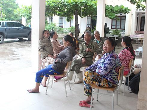 """Bão số 9: Dấu hiệu bất thường"""" ở đảo Phú Quý, hàng nghìn người dân Nha Trang rời làng - Ảnh 3."""