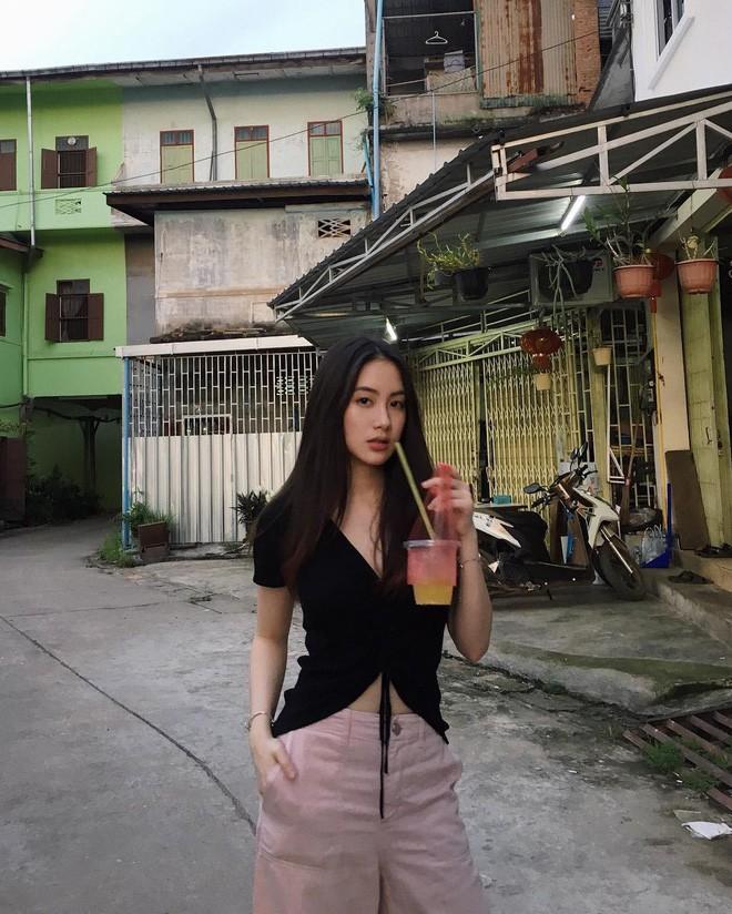 Hot girl Lào gốc Việt xinh đẹp nổi bật trong lễ tốt nghiệp đại học tại Anh - Ảnh 5.