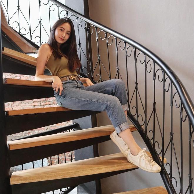 Hot girl Lào gốc Việt xinh đẹp nổi bật trong lễ tốt nghiệp đại học tại Anh - Ảnh 6.
