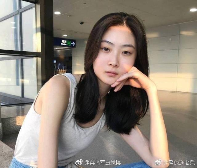Netizen lùng sục thông tin về người mẫu đóng quảng cáo D&G gây tranh cãi, dấy lên làn sóng tẩy chay toàn Trung Quốc - Ảnh 10.