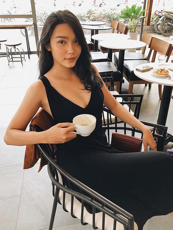 Con gái diễn viên chuyên đóng cảnh nóng Kiều Trinh ngày càng sexy - Ảnh 5.