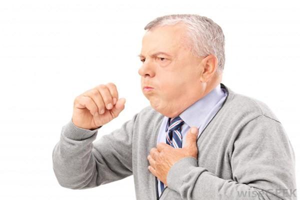 Cảnh giác với viêm phổi khi trời rét - Ảnh 1.
