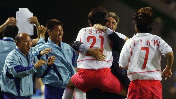 Park Hang-seo và Eriksson, 16 năm ngược chiều số phận - Ảnh 1.