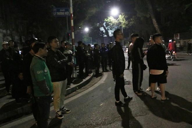 Tai nạn kinh hoàng trong đêm giữa 2 xe máy và ô tô, 4 thanh niên thương vong - Ảnh 2.