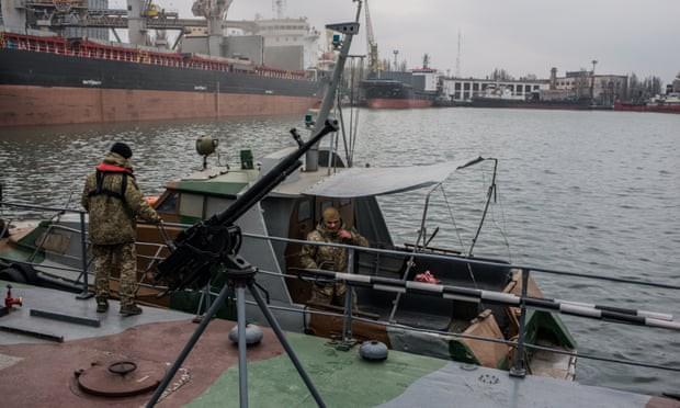 Bi quan cùng cực trước sức ép của Nga, dân biển Ukraine đành học cách... sống chung với lũ - Ảnh 2.