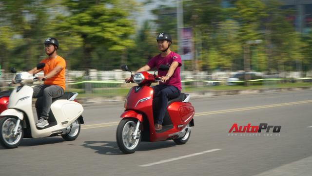 Ai sẽ là người mua xe máy điện VinFast Klara? - Ảnh 2.