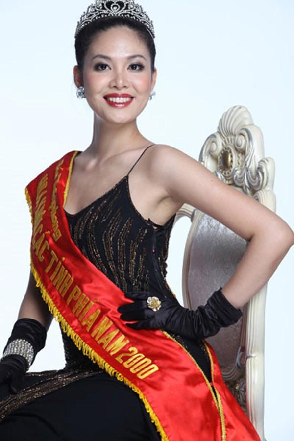 Số phận Hoa hậu Việt lọt Top 100 phụ nữ đẹp nhất thế giới: Đi hát thất bại, làm mẹ đơn thân - Ảnh 1.