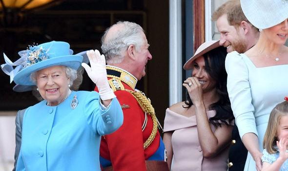 Lần đầu hé lộ lý do đặc biệt khiến Meghan được lòng bố chồng hơn cả Công nương Kate, dù làm mất lòng bà Camilla - Ảnh 1.