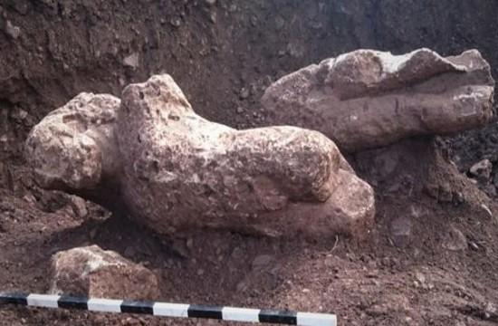 Phát hiện 4 bức tượng cổ khỏa thân ở Hy Lạp - Ảnh 1.