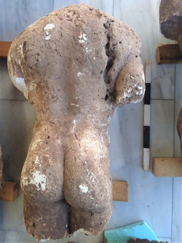 Phát hiện 4 bức tượng cổ khỏa thân ở Hy Lạp - Ảnh 2.