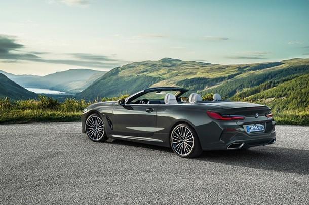 Đắt xắt ra miếng, BMW 8-Series 2019 mui trần chính thức ra mắt thị trường - Ảnh 1.