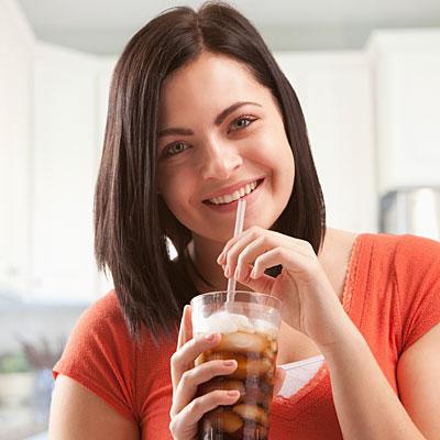 14 thực phẩm khiến bạn mau già - Ảnh 11.