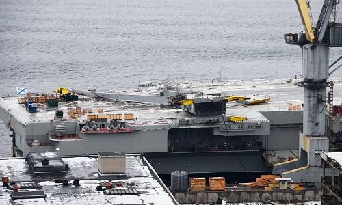 Tàu Kuznetsov gặp thảm họa, tuy không chìm nhưng lại giáng xuống Hải quân Nga đòn đau nhất - Ảnh 1.