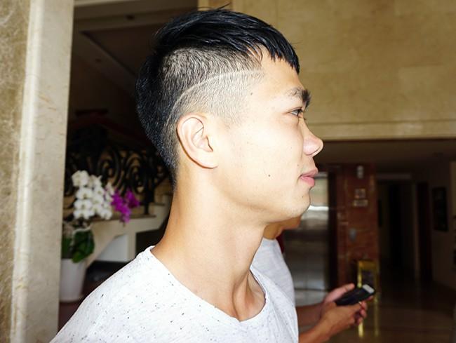 Điệu đà chẳng kém gì Pogba, Công Phượng khiến fan quay như chong chóng với các kiểu tóc - Ảnh 11.