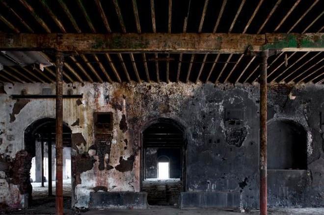 Mukesh: Nhà máy dệt lâu đời nhất Ấn Độ, gần 4 thập kỷ bị bỏ hoang với những lời đồn thổi rợn người - Ảnh 11.
