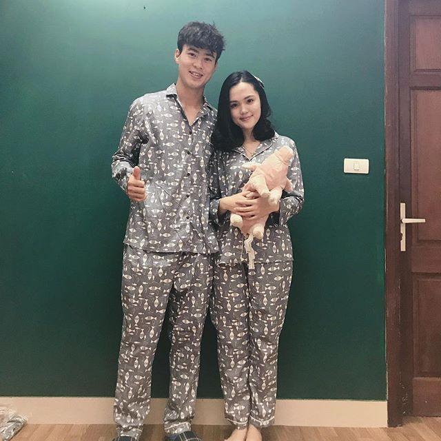 Chuyện tình đặc biệt của cặp chị em xinh đẹp yêu hai chàng hot boy tuyển Việt Nam - Ảnh 13.