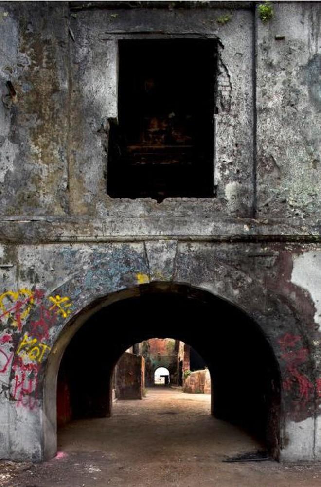 Mukesh: Nhà máy dệt lâu đời nhất Ấn Độ, gần 4 thập kỷ bị bỏ hoang với những lời đồn thổi rợn người - Ảnh 14.