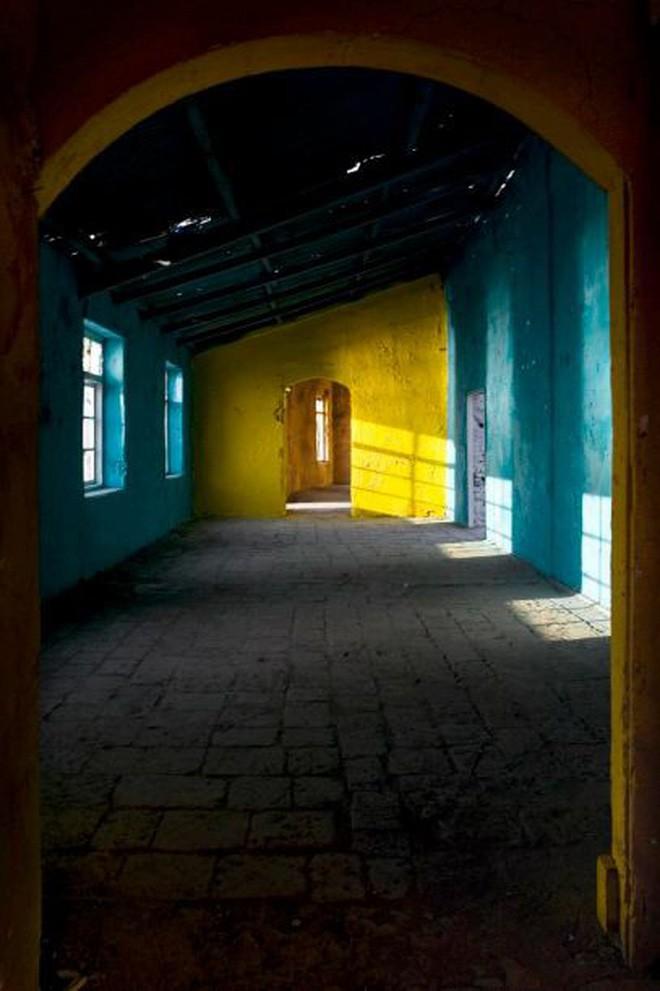 Mukesh: Nhà máy dệt lâu đời nhất Ấn Độ, gần 4 thập kỷ bị bỏ hoang với những lời đồn thổi rợn người - Ảnh 16.