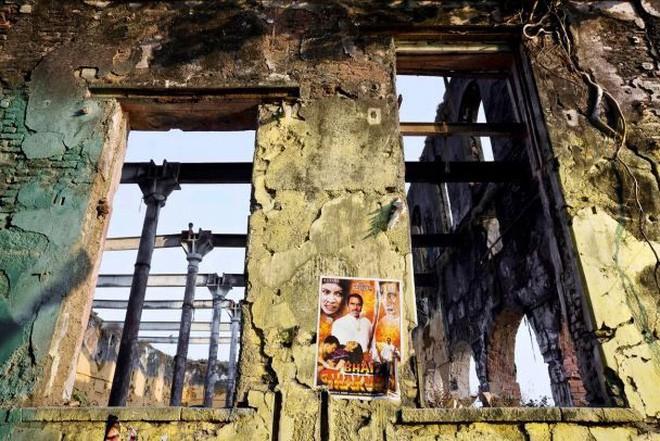 Mukesh: Nhà máy dệt lâu đời nhất Ấn Độ, gần 4 thập kỷ bị bỏ hoang với những lời đồn thổi rợn người - Ảnh 4.
