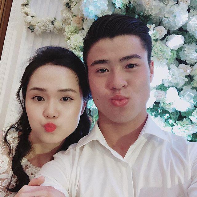 Chuyện tình đặc biệt của cặp chị em xinh đẹp yêu hai chàng hot boy tuyển Việt Nam - Ảnh 10.