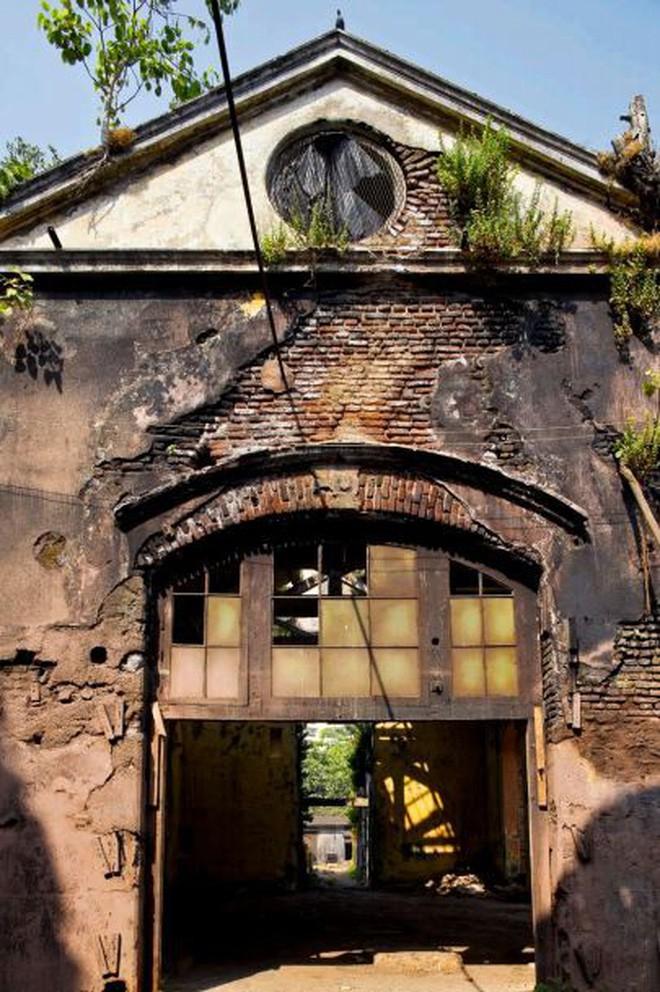Mukesh: Nhà máy dệt lâu đời nhất Ấn Độ, gần 4 thập kỷ bị bỏ hoang với những lời đồn thổi rợn người - Ảnh 10.
