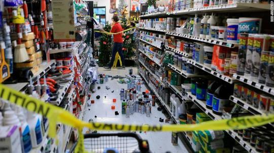 Bang Alaska thiệt hại nặng sau trận động đất mạnh bất thường - Ảnh 4.