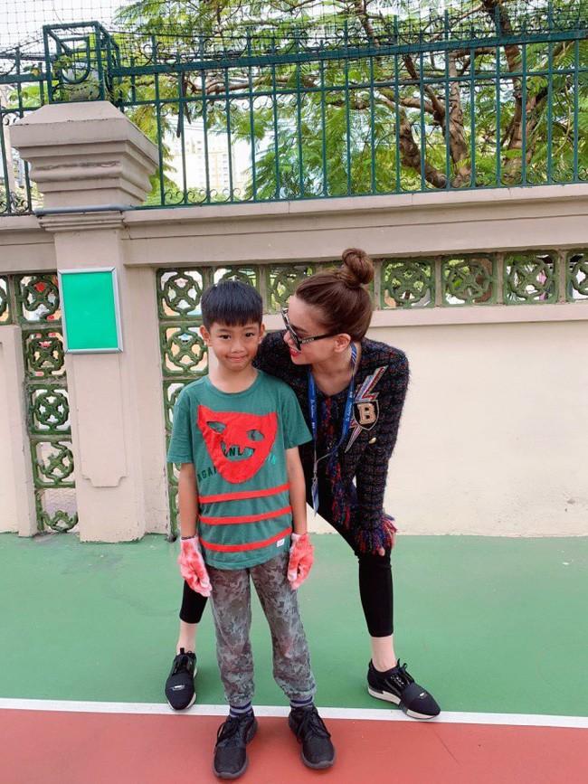 Vừa về quê tình mới, Cường Đô la đã đến trường cổ vũ con trai Subeo cùng với Hà Hồ - Ảnh 5.