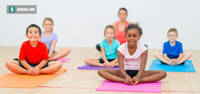 8 lợi ích tuyệt vời của Yoga cho trẻ em: Sự thay đổi tuyệt vời từ thể chất đến tâm trí - Ảnh 1.