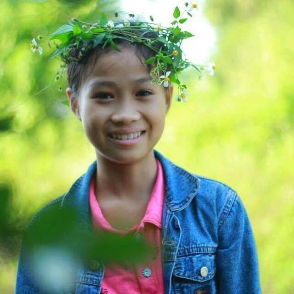 Bất ngờ với dung mạo 3 cô em gái của dàn cầu thủ Việt, em gái Công Phượng dậy thì thành công không tin nổi - Ảnh 13.