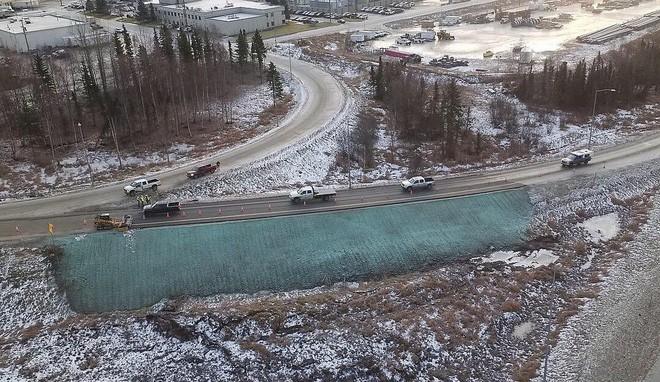 Alaska đã làm thế nào để sửa những con đường hư hại do động đất chỉ trong vài ngày? - Ảnh 3.