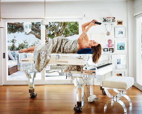 Miranda Kerr xuất hiện vui vẻ sau khi bị đòi chiếc piano do tỷ phú dùng hàng chục tỷ tiền tham nhũng mua tặng - Ảnh 5.