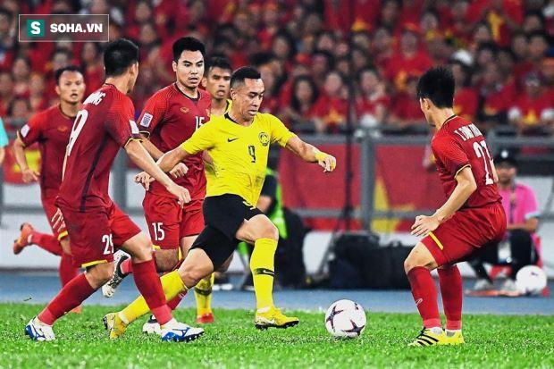 """HLV Malaysia bất ngờ chê Việt Nam """"đá xấu"""", cấm học trò trả đũa nếu bị khiêu khích - Ảnh 1."""