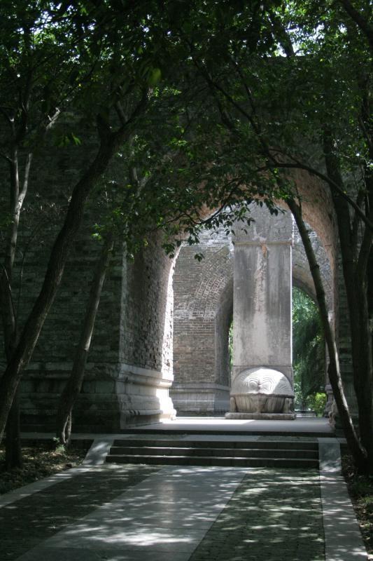 Xuống lăng mộ bí ẩn và vĩ đại nhất thế giới, chứa hàng ngàn tấn báu vật - Ảnh 16.