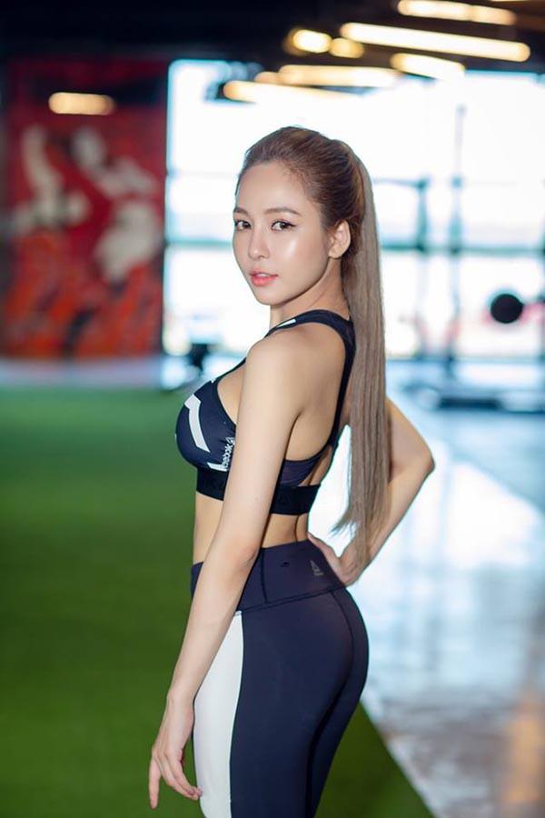 Hot girl Trâm Anh diện bikini, khoe lưng trần đầy gợi cảm - Ảnh 8.