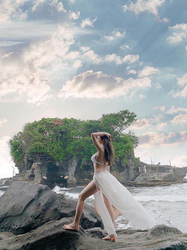 Hot girl Trâm Anh diện bikini, khoe lưng trần đầy gợi cảm - Ảnh 3.
