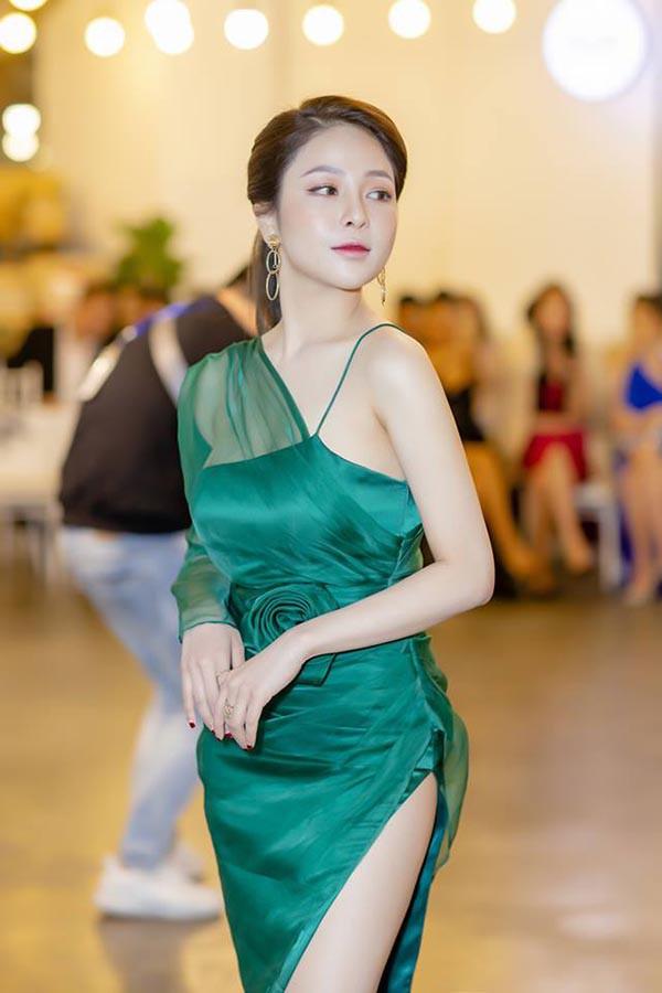 Hot girl Trâm Anh diện bikini, khoe lưng trần đầy gợi cảm - Ảnh 6.