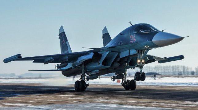 Cá Sấu Ka-52 ào ào tràn vào khai hỏa: Đòn mở màn cuộc chiến với Ukraine của Nga? - Ảnh 1.