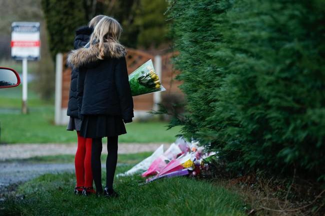 Chưa kịp tận hưởng không khí Giáng Sinh, cả gia đình mất luôn nhà chỉ vì cây thông Noel - Ảnh 8.
