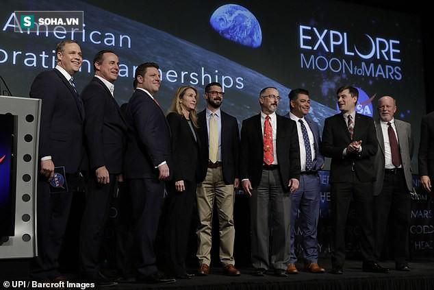 Chi 2,6 tỷ USD để quay trở lại Mặt Trăng, NASA đang ủ mưu gì? - Ảnh 1.