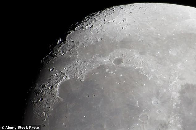 Chi 2,6 tỷ USD để quay trở lại Mặt Trăng, NASA đang ủ mưu gì? - Ảnh 2.