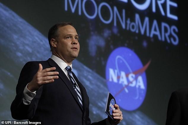 Chi 2,6 tỷ USD để quay trở lại Mặt Trăng, NASA đang ủ mưu gì? - Ảnh 3.
