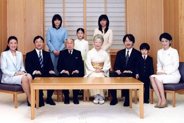 Công nương xinh đẹp Masako của Hoàng gia Nhật Bản: Nỗi sầu của con chim quý bị nhốt chặt trong lồng son - Ảnh 13.