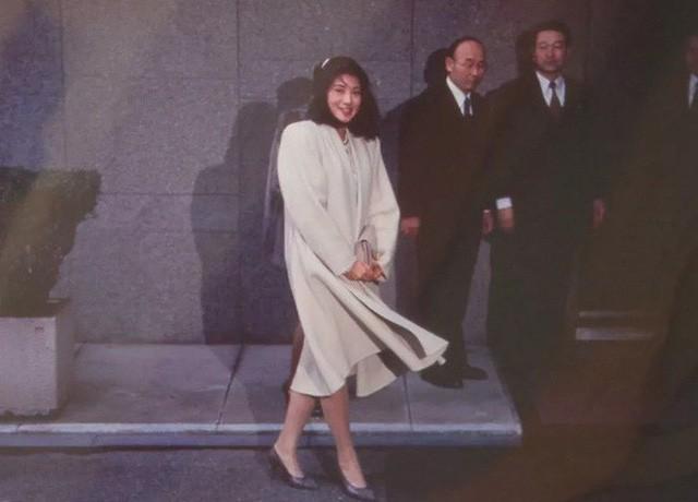 Công nương xinh đẹp Masako của Hoàng gia Nhật Bản: Nỗi sầu của con chim quý bị nhốt chặt trong lồng son - Ảnh 5.