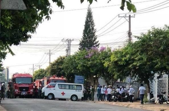 NÓNG: Nhà hàng ở Đồng Nai bốc cháy dữ dội, ít nhất 6 người tử vong - Ảnh 1.