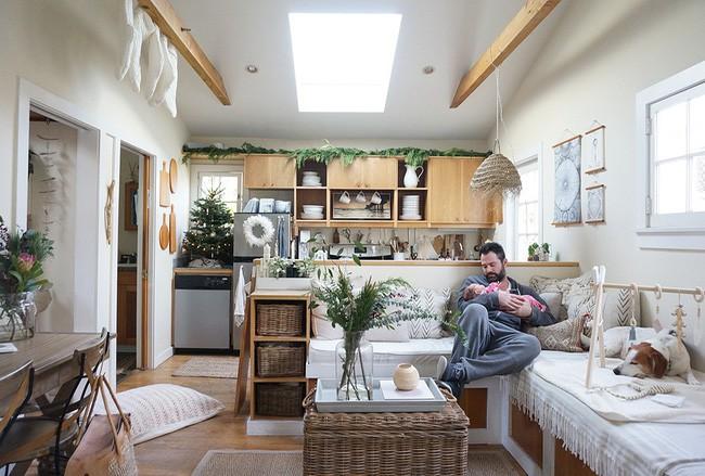 Ngôi nhà nhỏ của gia đình 3 người và 2 chú thú cưng - hạnh phúc đôi khi chỉ đơn giản như thế - Ảnh 2.