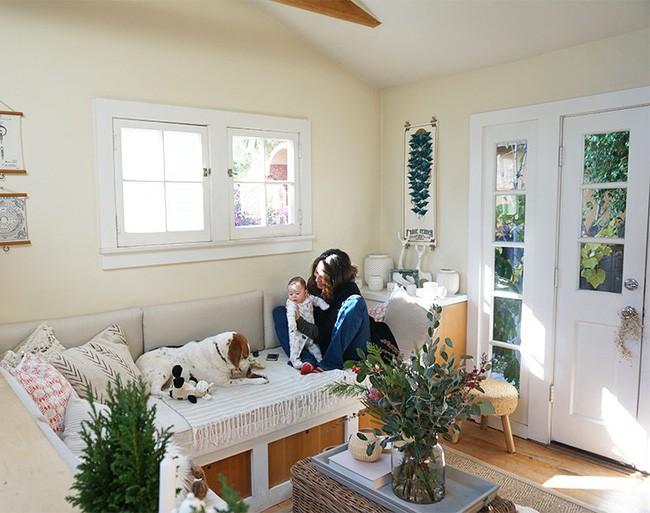 Ngôi nhà nhỏ của gia đình 3 người và 2 chú thú cưng - hạnh phúc đôi khi chỉ đơn giản như thế - Ảnh 4.