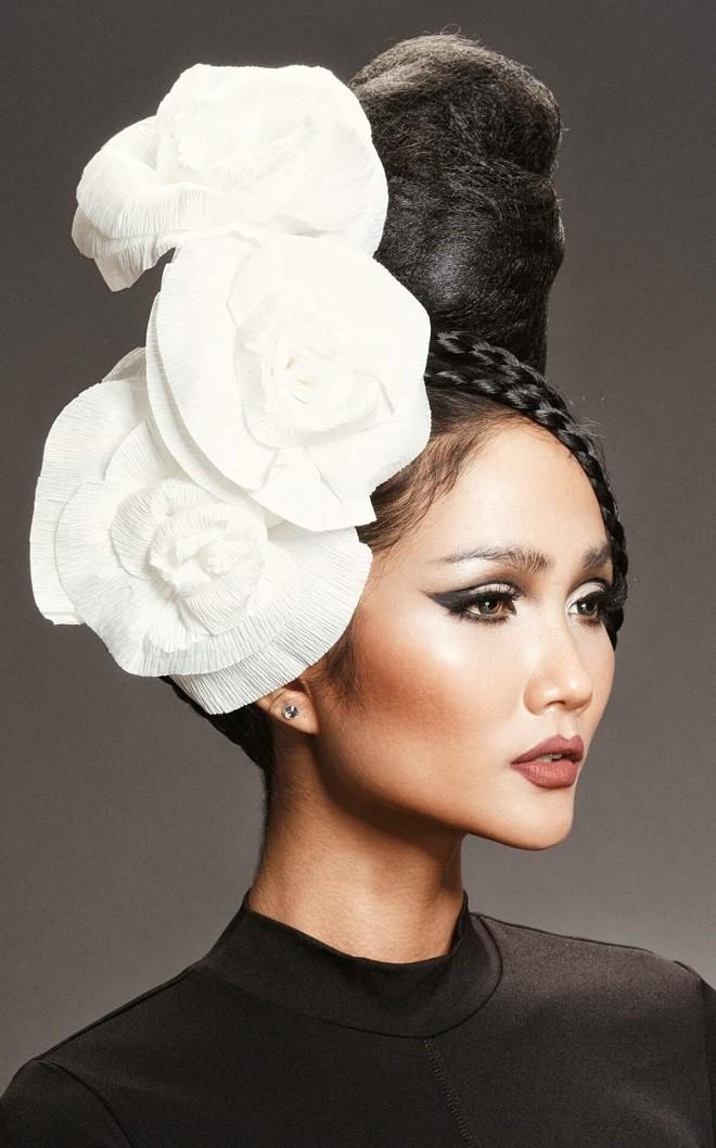 Hình ảnh bán nude đầy quyến rũ của HHen Niê trên trang bìa tạp chí Mỹ nổi tiếng - Ảnh 9.